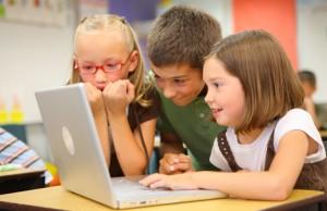 Copiii şi internetul: 10 întrebări la care orice părinte trebuie să aibă un răspuns