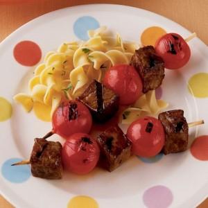 Bucătăria magică: frigărui sănătoşi pentru copii