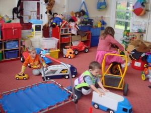 Cum alegi jucăriile potrivite pentru copilul tău: 7 lucruri esenţiale de avut în vedere